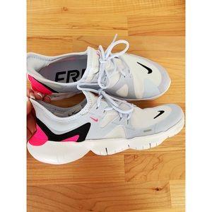 WMNS Nike Free RN 5.0 SZ 8.5